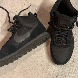 Men's Nike Sneakers - size 8